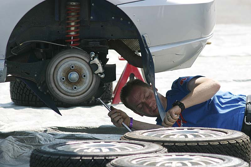 4 Leadership Lessons To Learn From Auto Mechanics