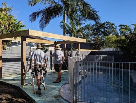 Here Are The Top Benefits Of Glass Pool Fencing