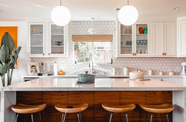 How Can Cabinet Refacing Poway Make Your Kitchen Shine Again?