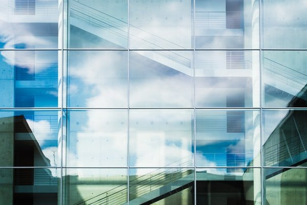 How To Find Emergency Glass Replacement Specialists