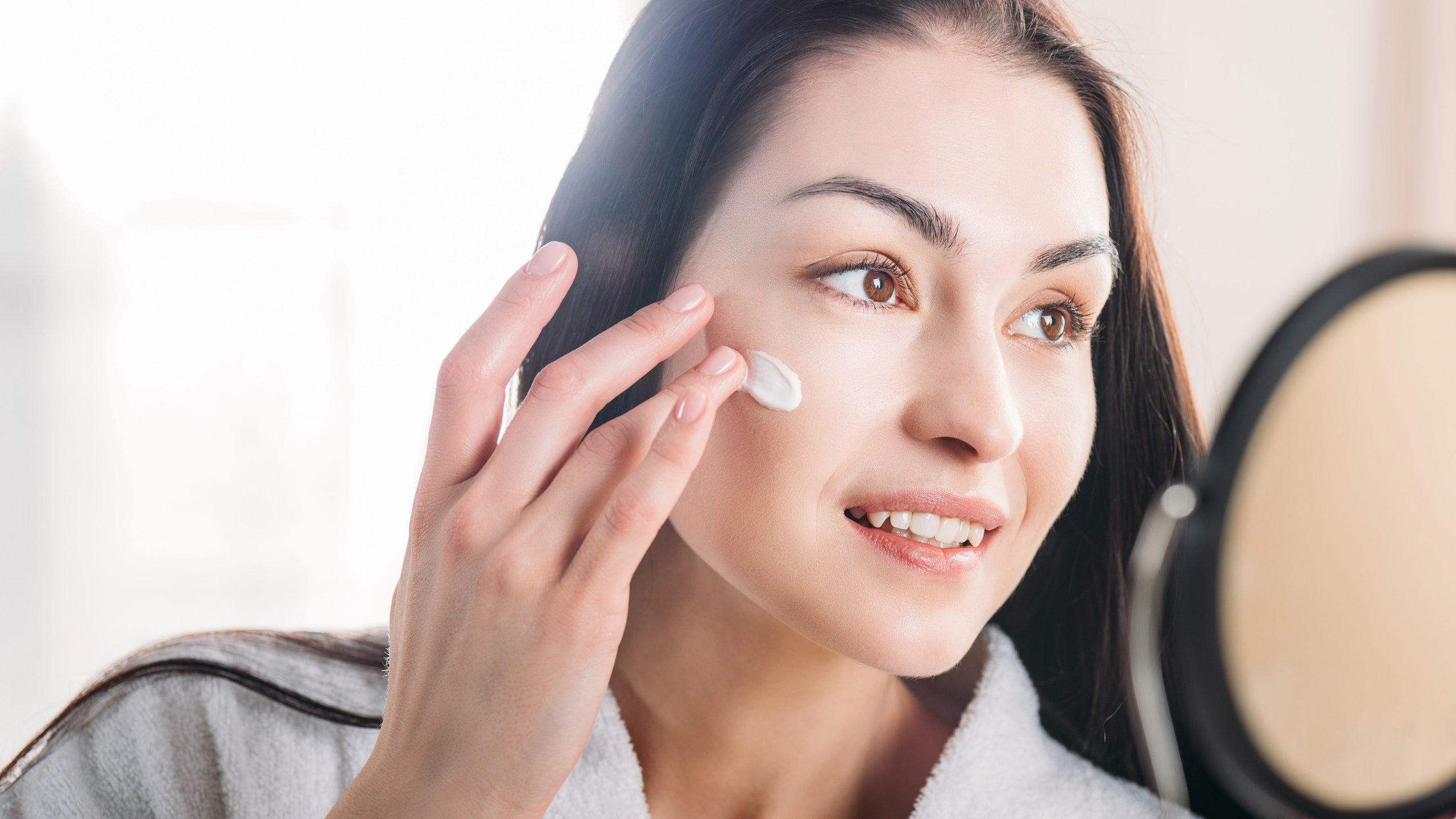 Use Face Serum To Take Care Of Your Skin