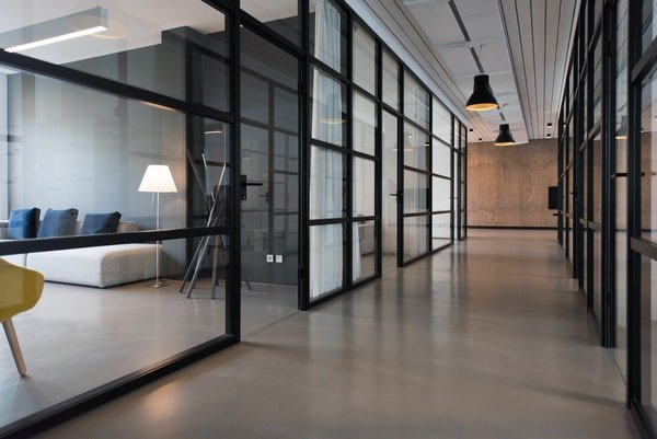 What Impacts The Cost Of Emergency Glass Repair Macarthur Services?