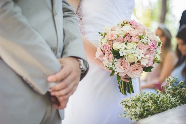 Why Are People Having Wooden Flowers Wedding Arrangements Instead Of Real Ones?